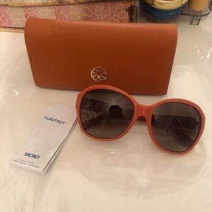 🧡🧡 New Tory Burch sunglasses 🧡🧡
